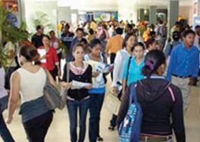 Feria del trabajo brinda oportunidad laboral