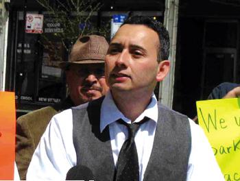 Reportan soborno a candidato latino