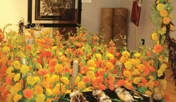 Altar de homenaje en Casa Michoacán
