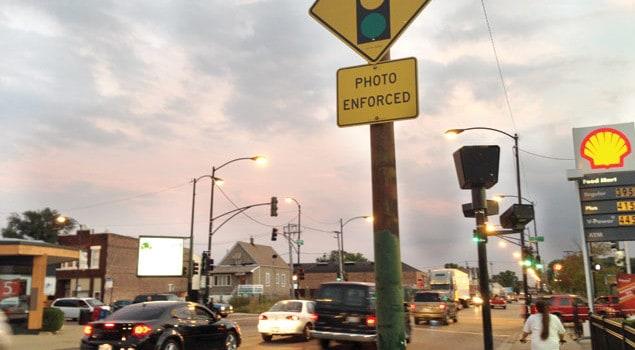 Menos cámaras en semáforos, más cámaras de velocidad