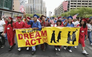 Corte contra un decreto de inmigración